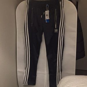 NWT Adidas cigarette pants size XS